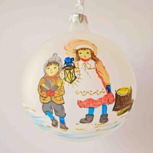 100063_weihnachtskugel_kinder_mit_laterne_2